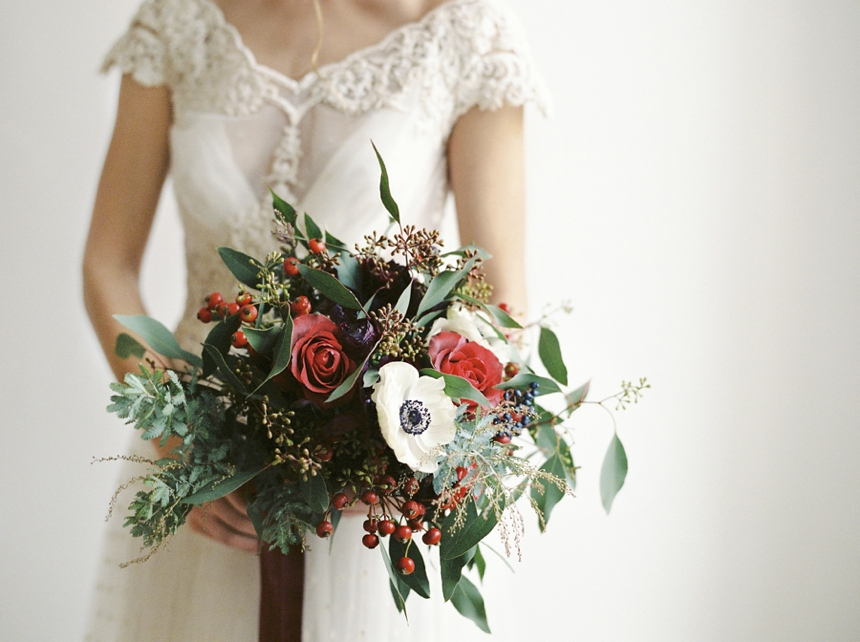 stunning bridal bouquet for christmas brides